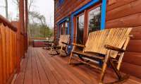 Blue Mountain Lodge Outdoor deck with rockers