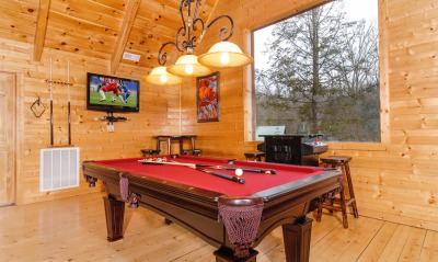 Blue Mountain lodge pool table